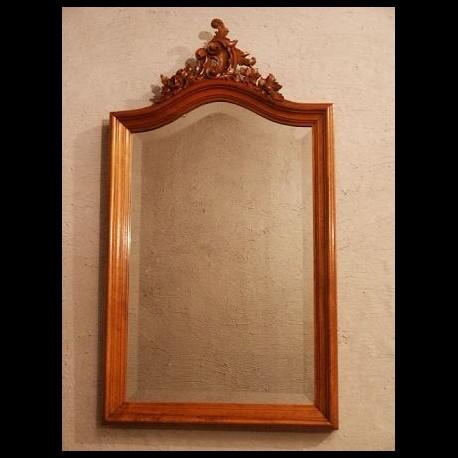 Miroir style Louis XV en noyer