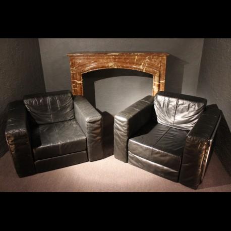 Paire de fauteuils design.