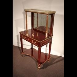 Bureau Louis XVI